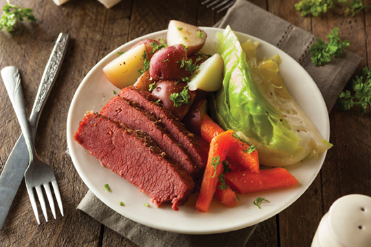 37262598 - homemade corned beef and cabbage with carrots and potatoes